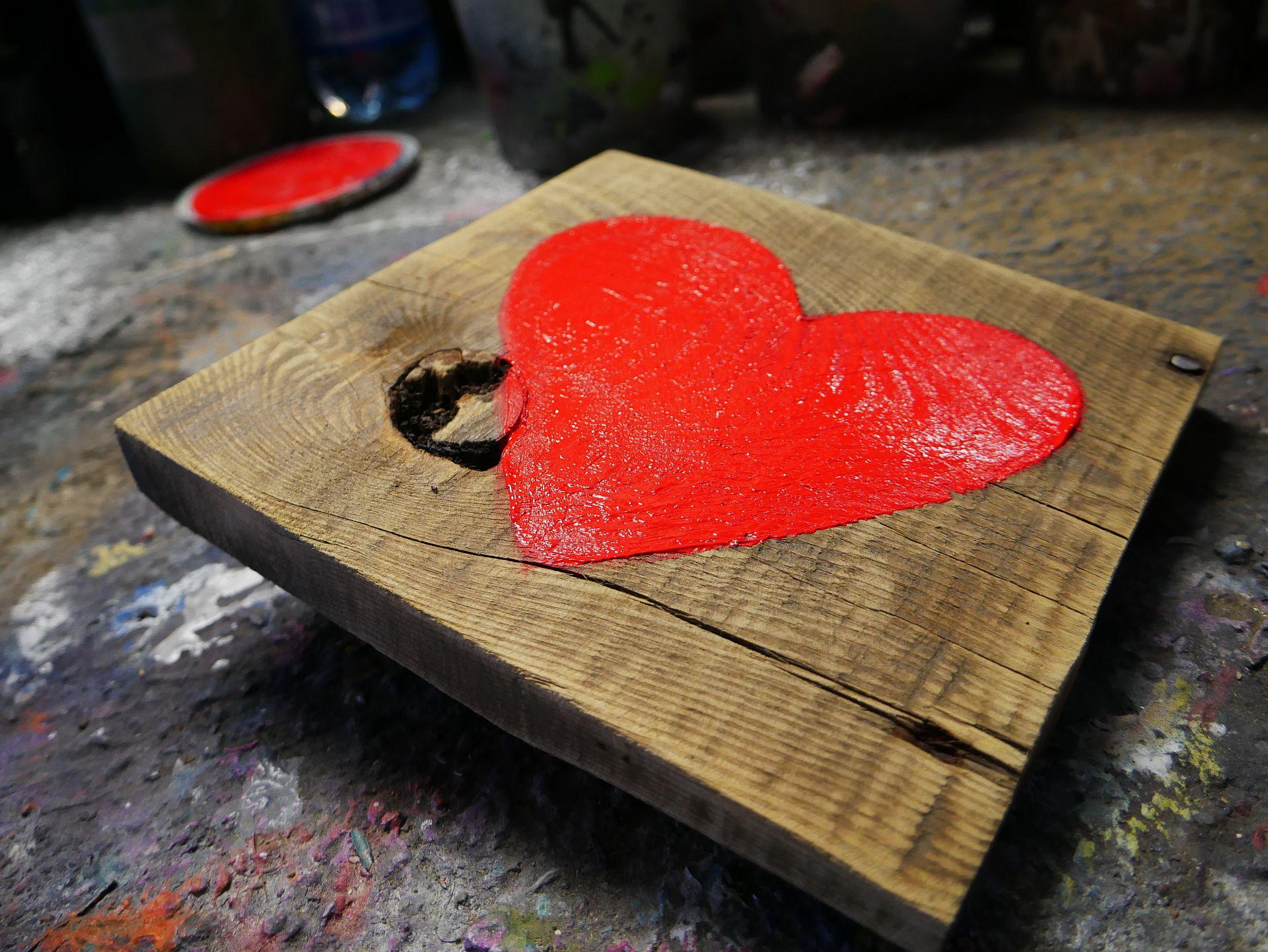Prezent na Walentynki dekoracja ręcznie malowana