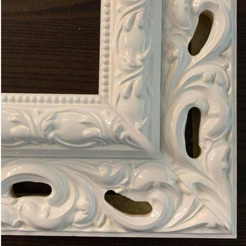Klasyczna rama do obrazu ornament biały połysk